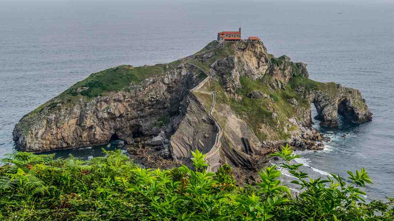 hermitage, pays basque, paysage